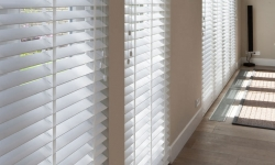 Interior blinds / Venetian