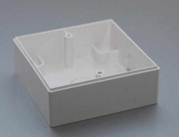 Коробка для наружного монтажа KU/B